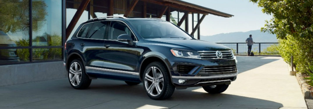 2017 volkswagen touareg interior and cargo volume. Black Bedroom Furniture Sets. Home Design Ideas