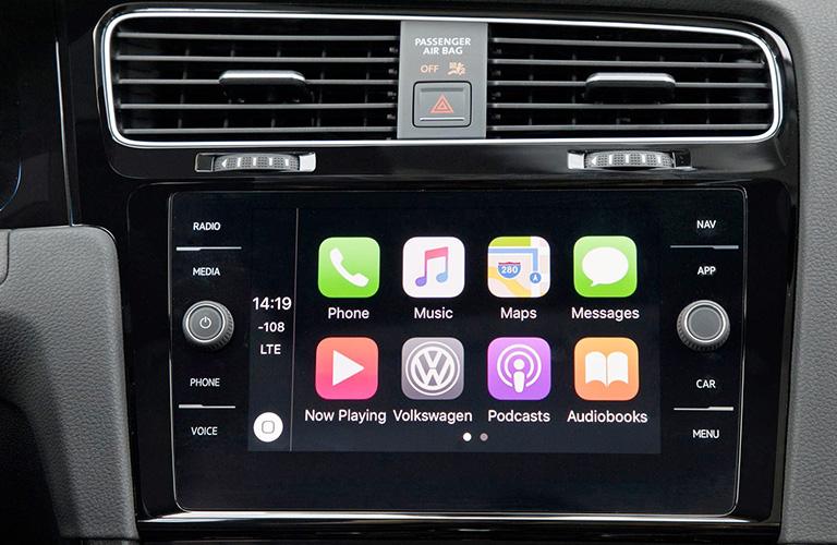 2018 Volkswagen Golf touch screen display