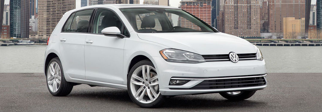 2018 Volkswagen Golf in white