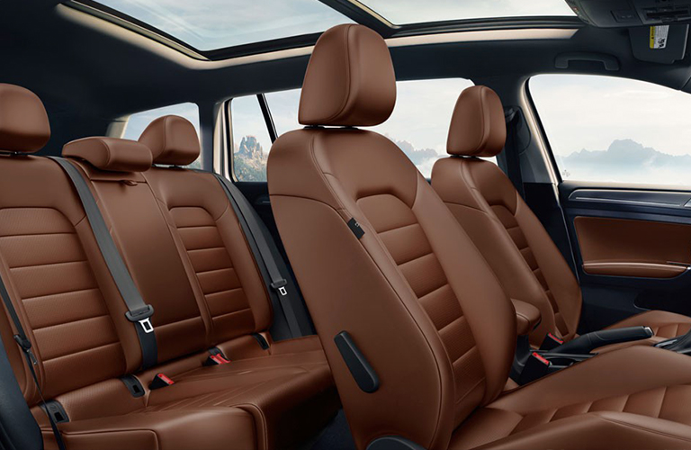 2018 Volkswagen Alltrack seating