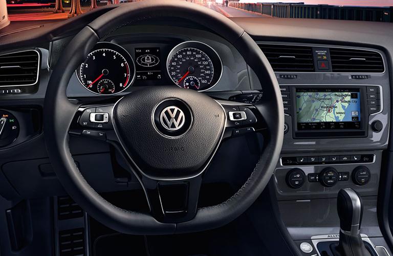 2018 Volkswagen Golf Alltrack steering wheel