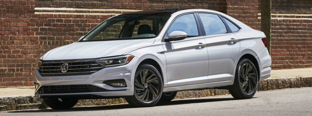 What new tech features are in the 2019 Volkswagen Jetta?