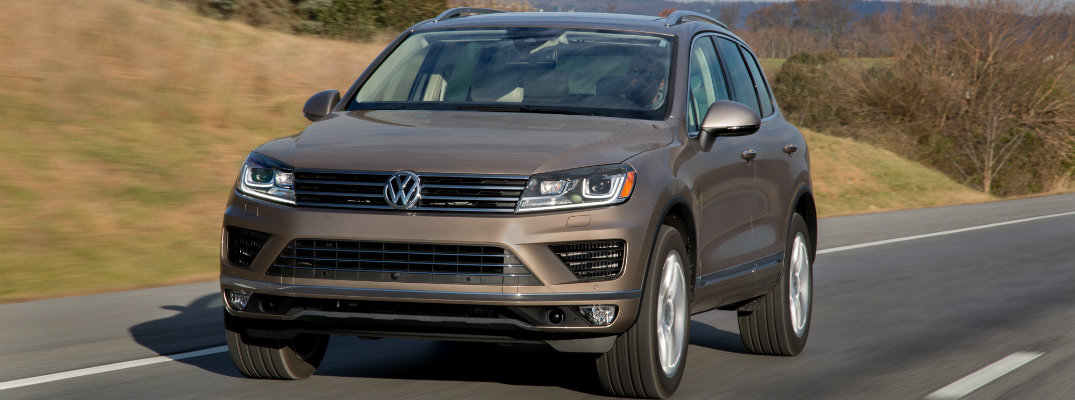 How to Use 2016 Volkswagen Touareg Cruise Control