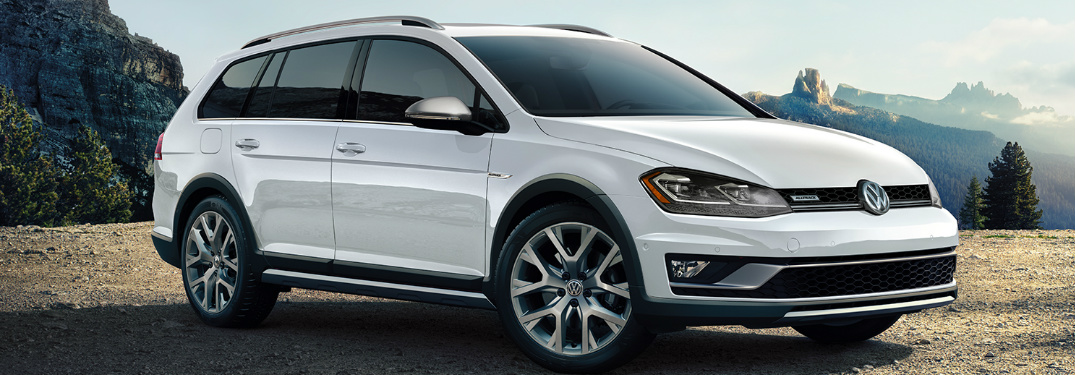 2019 VW Golf Models Honored by Car and Driver Magazine