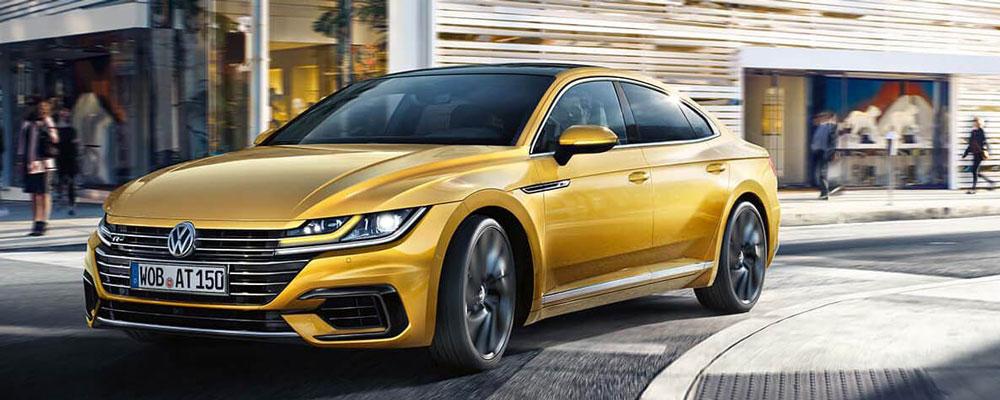 2019 Volkswagen Arteon Driving in Street