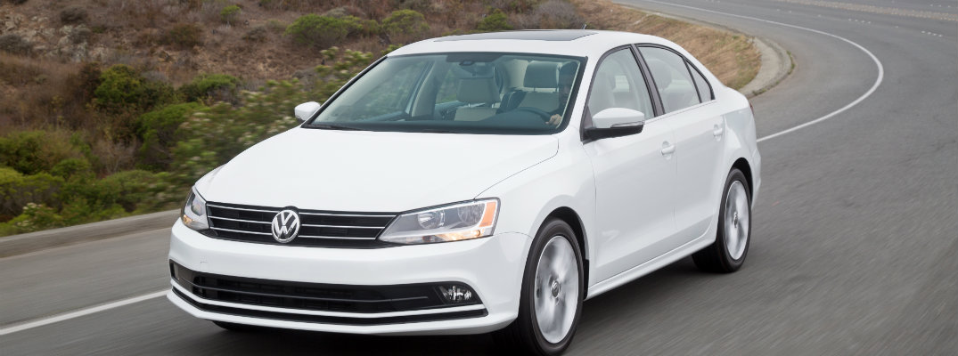 How to Use 2016 Volkswagen Jetta Cruise Control