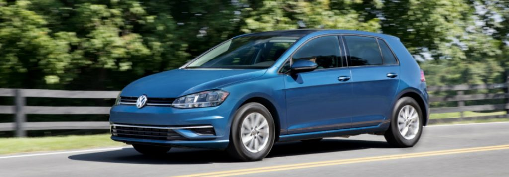 What new features does the 2018 Volkswagen Golf offer?