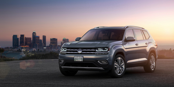 2018 VW Atlas Front View of Gray Exterior