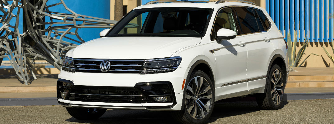 2018 VW Tiguan White Exterior with R-Line package