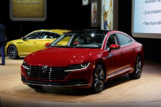 2019 Volkswagen Arteon front exterior red