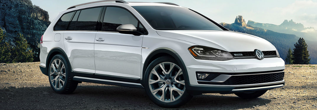 2019 Volkswagen Alltrack front and side profile