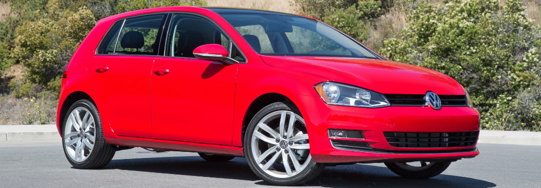 What awards has the 2016 Volkswagen Golf won?