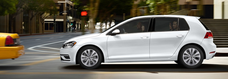 2020 Volkswagen Golf side profile