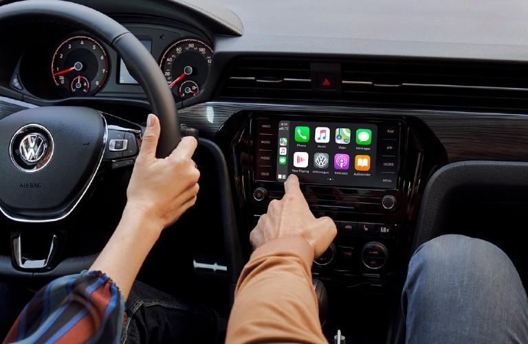 2021 Volkswagen Passat touchscreen display