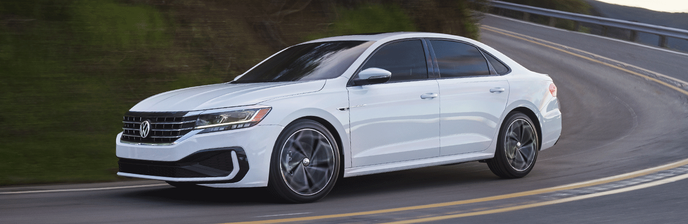 What Safety features are standard on the 2022 Volkswagen Passat?