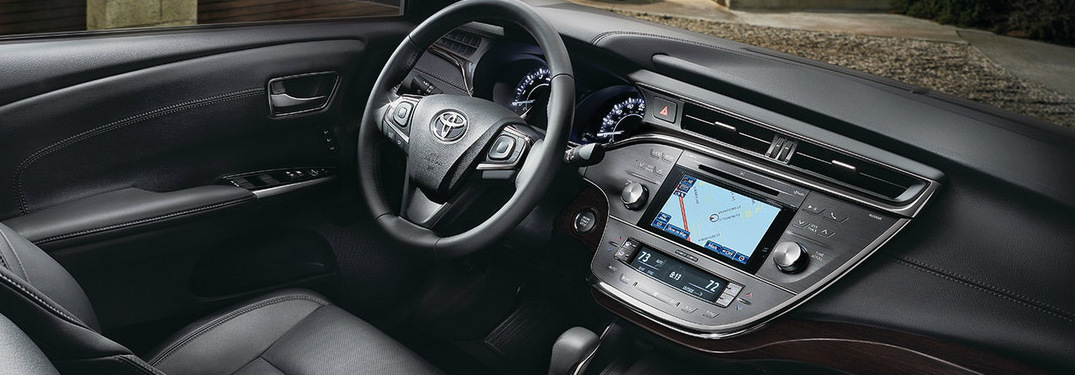 2019 Toyota Avalon steering wheel and dashboard