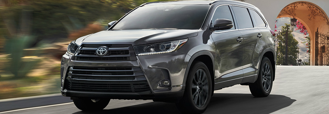 2019 Toyota Highlander exterior in black