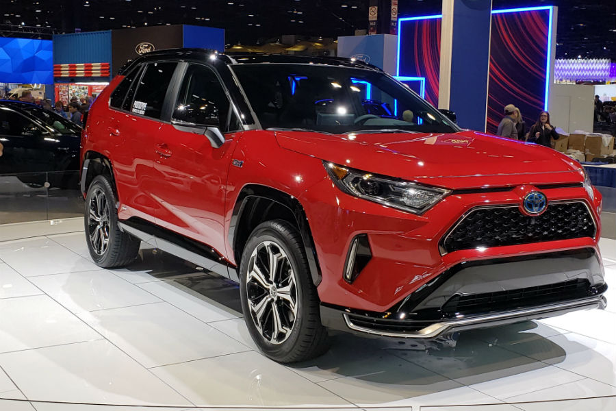 A front right quarter photo of the 2020 Toyota RAV4 Prime.