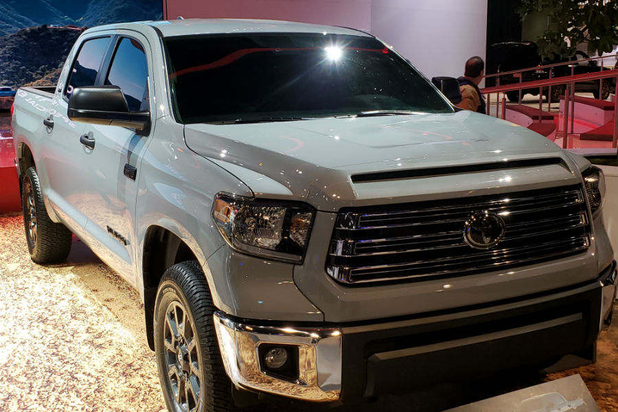 A front right quarter photo of the 2020 Toyota Tundra.