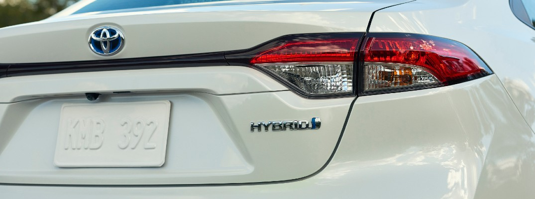 A photo of the hybrid badge used by the 2020 Toyota Corolla Hybrid.