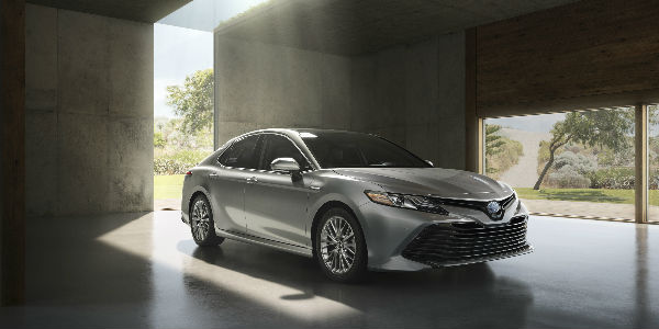 Exterior View of 2018 Toyota Camry in Silver