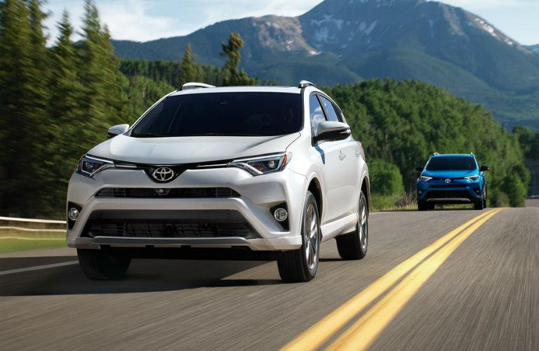 Toyota Rav4 Towing Capacity >> 2018 Toyota RAV4 Hauling Capacity and Cargo Volume Specifications