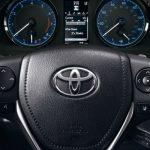 2019-Toyota-Corolla-Push-Button-Start-and-Touchscreen-Interface_o