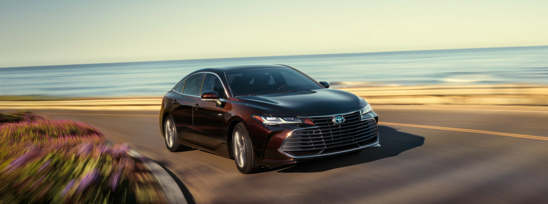 2019 Toyota Avalon Front View of Black Exterior