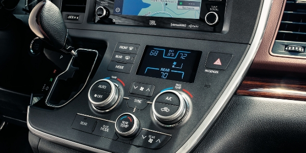 2019-Toyota-Sienna-Air-Conditioning-Controls_o - Toyota of