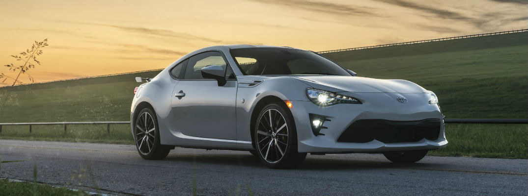 What Features Come Standard in the 2020 Toyota 86?