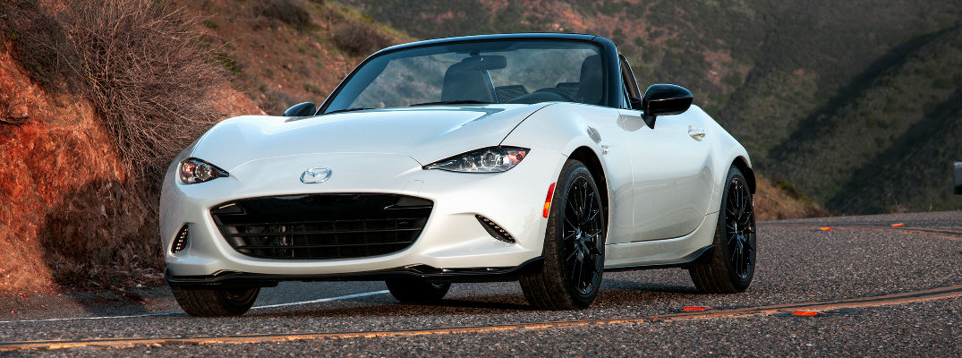 https://blogmedia.dealerfire.com/wp-content/uploads/sites/226/2016/03/2016-mazda-miata-club-edition-A.jpg