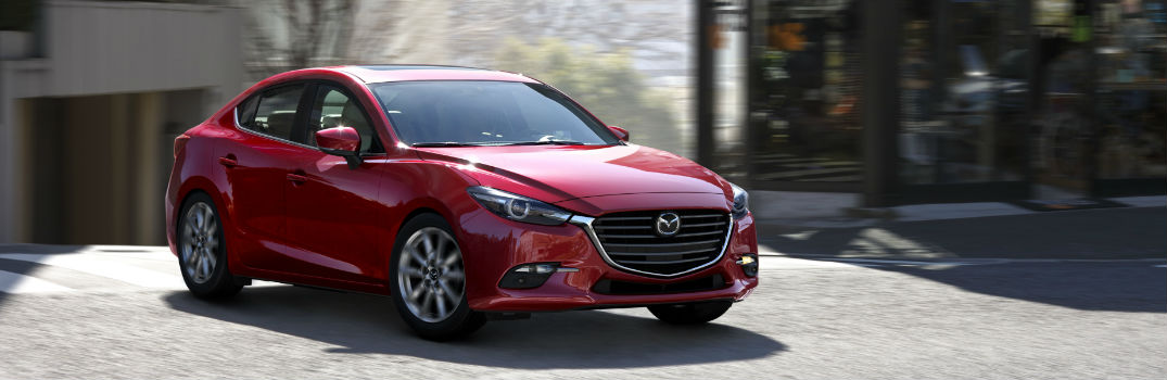 What features come standard on the 2017 Mazda3?