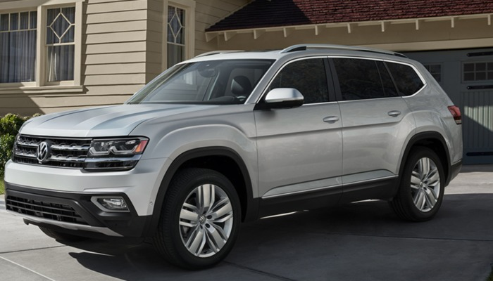2019 Volkswagen Atlas parked on a driveway