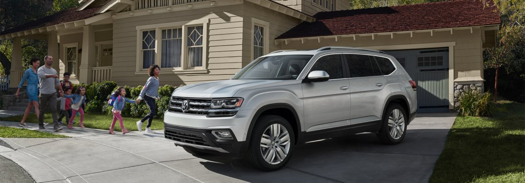 What comfort features come standard in the 2019 Atlas?