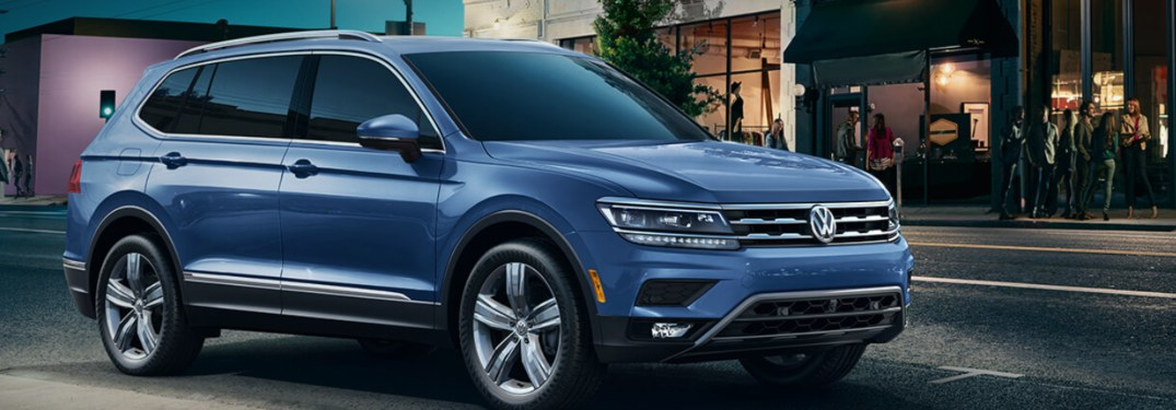 2019 Volkswagen Tiguan parked on a city street at night
