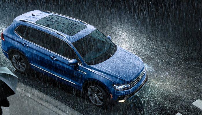 2020 Volkswagen Tiguan parked in the rain
