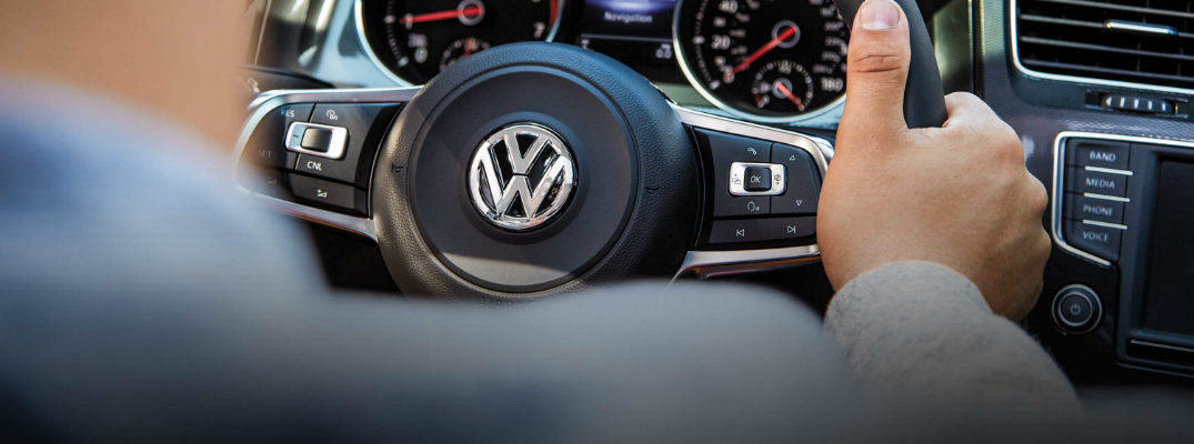 What Features Come With the 2017 VW Golf GTI Sport Trim?