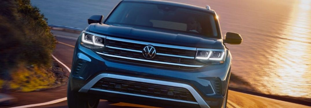 2021 Volkswagen Atlas front view driving by water