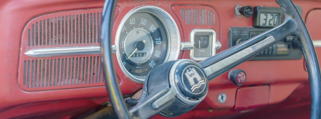 Steering wheel and dash of the VW Beetle named Annie