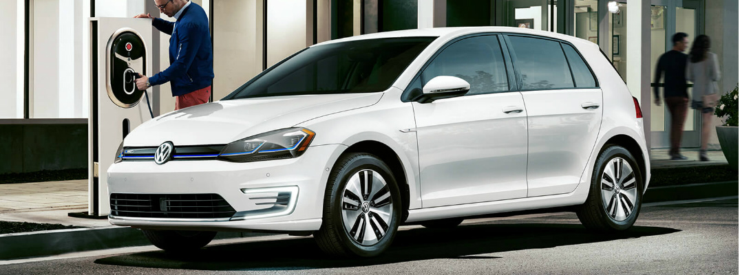 What's the MPGe rating and range of the 2019 Volkswagen e-Golf?