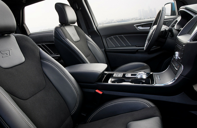 2019 Ford Edge armrest and seat side view