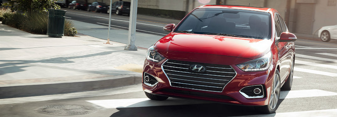 What is the Performance & Efficiency of the 2018 Hyundai Accent?