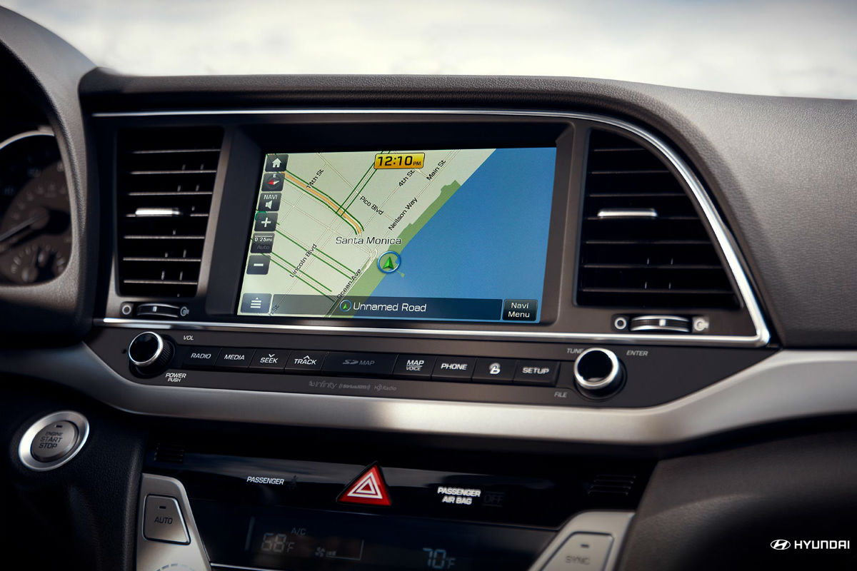 Color touchscreen display of the 2018 Hyundai Elantra