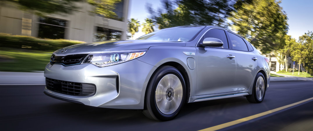 How long does the Kia Optima Plug-In Hybrid battery last?
