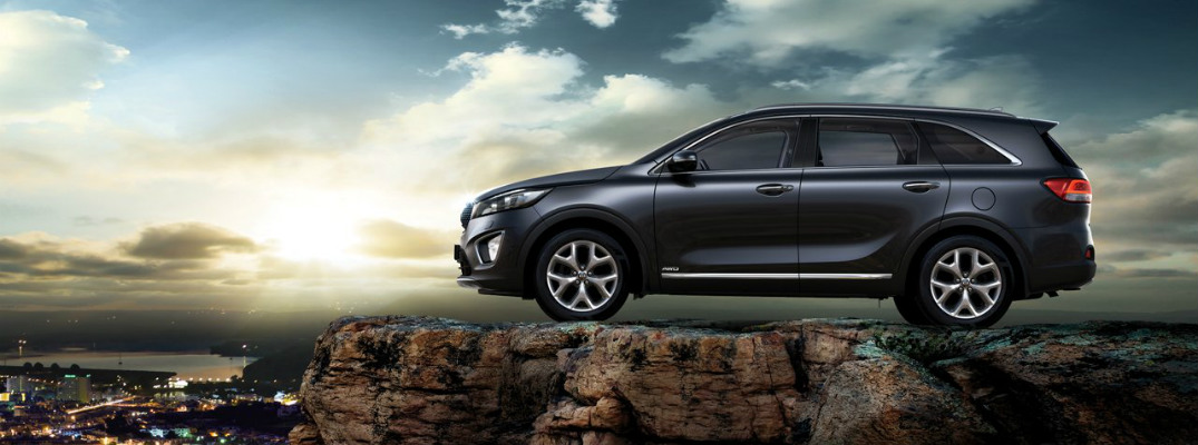 2017 Kia Sorento on a cliff