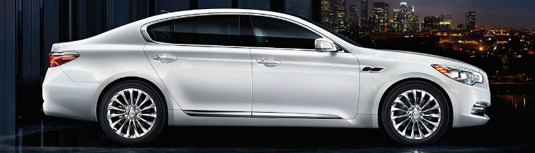 2017 Kia K900 Side View