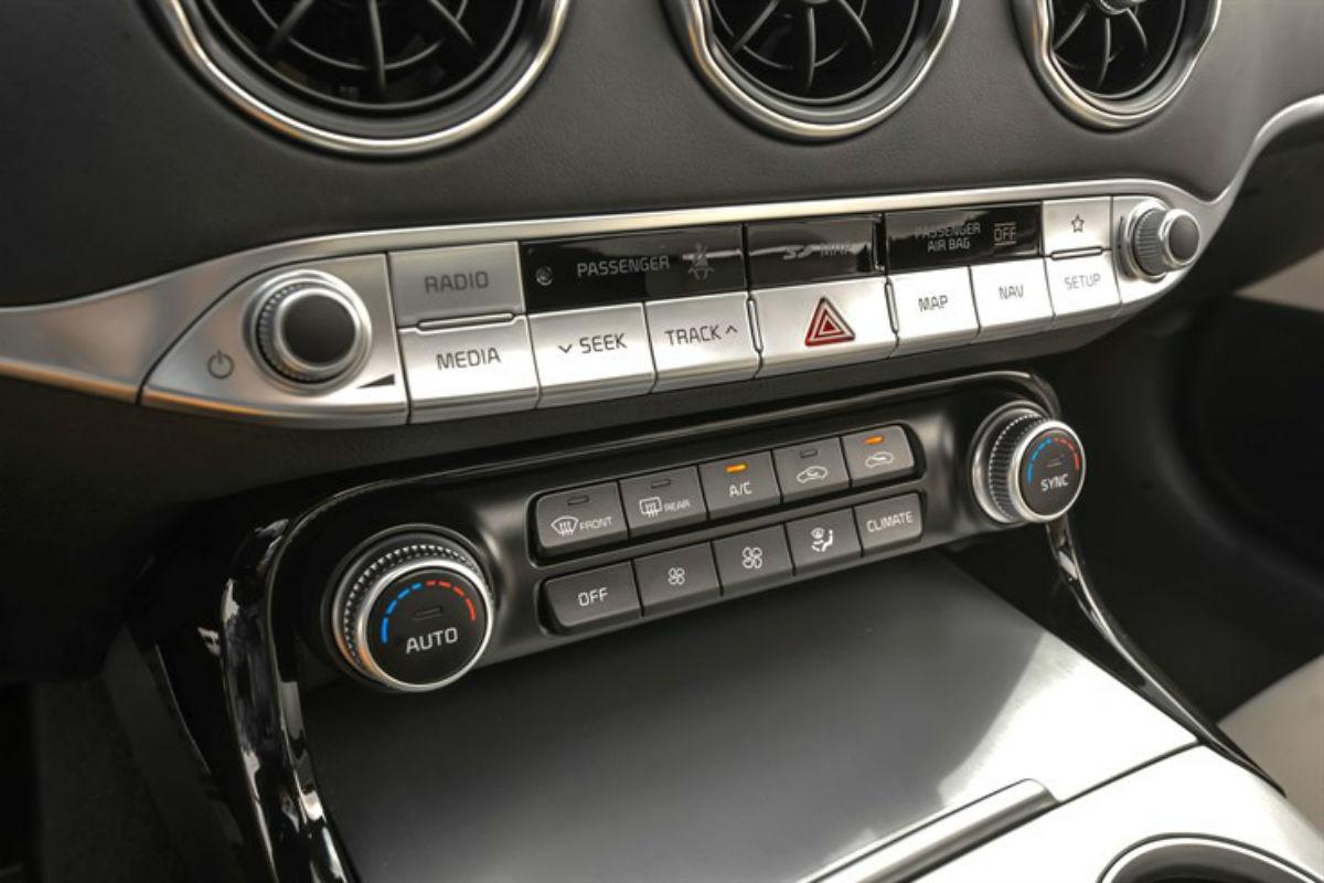Temperature and stereo controls of the 2018 Kia Stinger