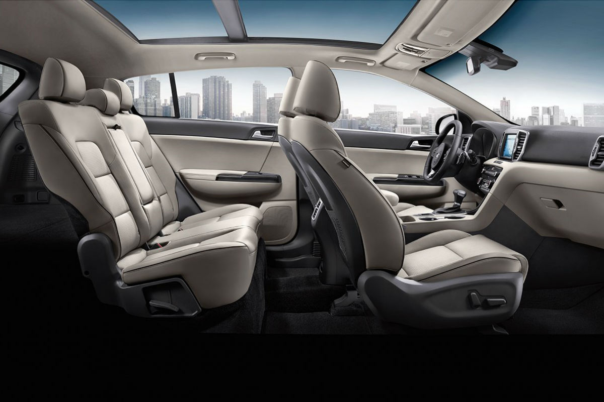 Side view of the 2018 Kia Sportage's two rows of seats