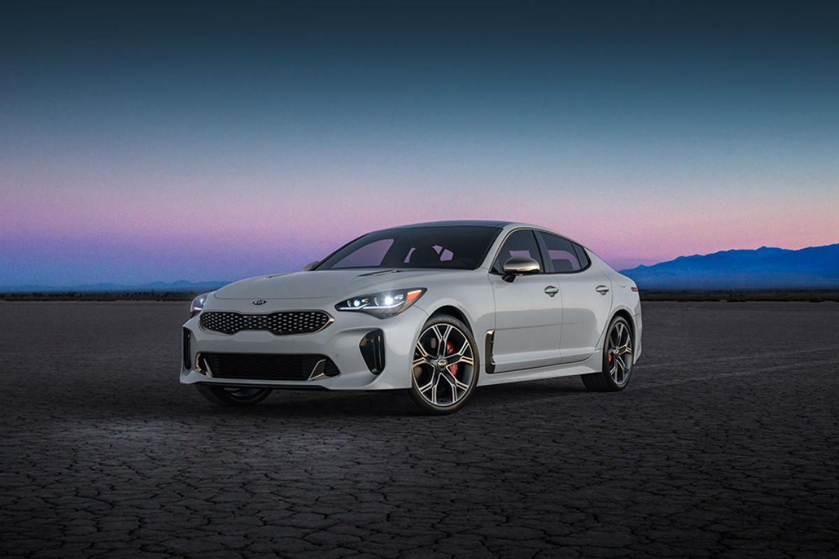 2018 Kia Stinger in Snow White