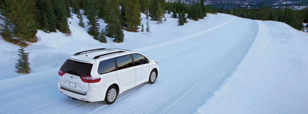 Does the 2018 Toyota Sienna have AWD?